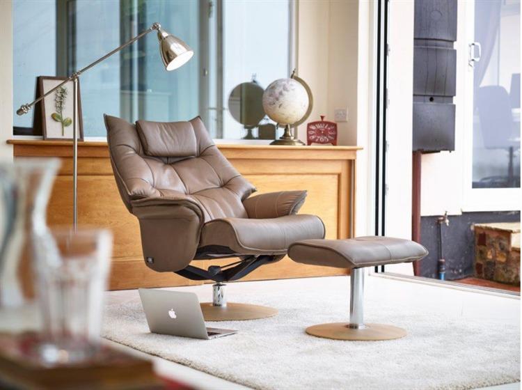 Hana Zedere Leather Swivel Chair Gfa
